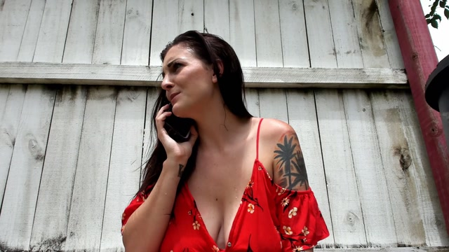 ManyVids_presents_Kelly_Payne_-_Locked_Out_Self_Sucking_Lactacting.mp4.00013.jpg