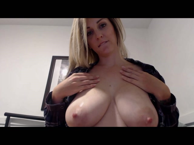 Watch Online Porn – ManyVids presents Kelly Payne – Self Sucking Breastmilk Enjoyment (MP4, FullHD, 1440×1080)