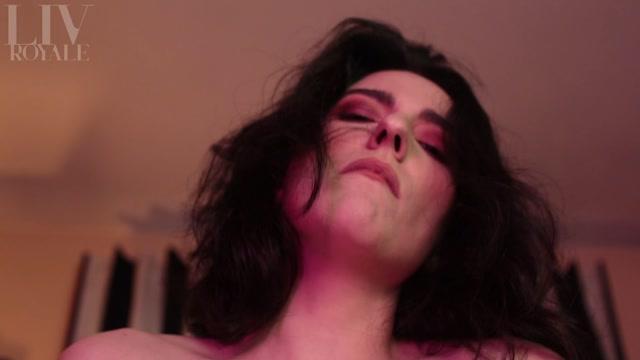 Watch Online Porn – ManyVids presents Liv Royale – POV Bareback Sex with GF (MP4, FullHD, 1920×1080)