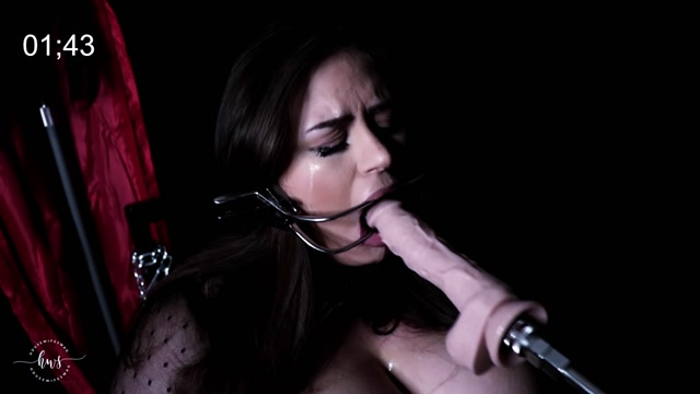 ManyVids_presents_housewifeswag_in_SAW_XXX___02.10.2019____29.99__Premium_user_request_.mp4.00010.jpg