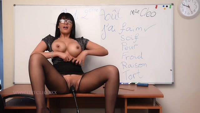 ManyVids_presents_livecleo_french_class_joi_first_f_machine_squirts.mp4.00007.jpg