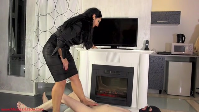Mistress_Ezada_Sinn_-_Out_of_chastity_into_ball_abuse.mp4.00006.jpg