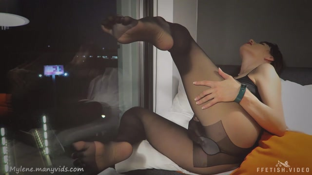 Watch Online Porn – Mylene – Pantyhose worship: nylon ass, legs, feet (MP4, FullHD, 1920×1080)