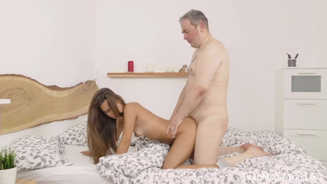 Watch Online Porn – Old-n-Young presents Baby Shine – Old looks best in fresh – 26.10.2019 (MP4, SD, 854×480)