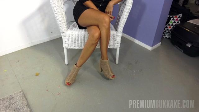 Watch Online Porn – PremiumBukkake presents Vicky Love #1 – blowbang bts (MP4, FullHD, 1920×1080)