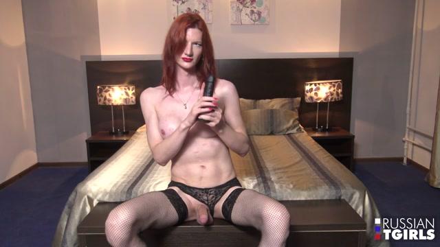 Russian-tgirls_presents_Tempting_Elvira____18.10.2019.mp4.00006.jpg