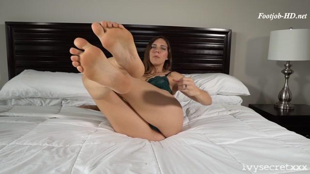 Watch Online Porn – Sadie Holmes Footjob JOI – Ivy Secret Productions (MP4, FullHD, 1920×1080)