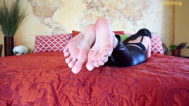 Watch Free Porno Online – Stella Liberty – Sole Tease Hollywood (MP4, HD, 1280×720)
