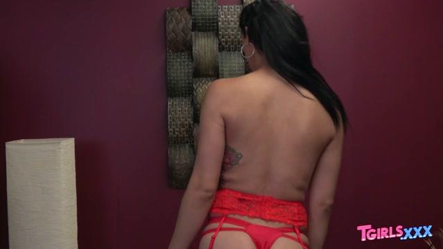 Watch Online Porn – TGirls.xxx presents Introducing Sexy Phoebe! – 07.10.2019 (MP4, HD, 1280×720)