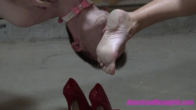 Watch Online Porn – The Mean Girls – Goddess Platinum Mistress Tiffany – Upside Down Foot Freak (MP4, FullHD, 1920×1080)