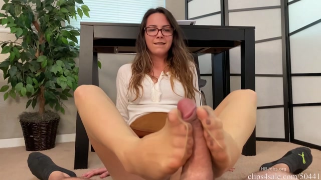 Watch Free Porno Online – Bratty Babes Own You – Caught Staring At Sisters Feet while doing home work HD – First Footjob (MP4, FullHD, 1920×1080)