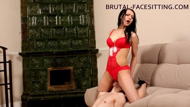 Brutal-Facesitting_-_Nina_Black.mp4.00015.jpg