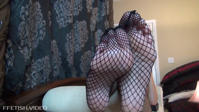 Watch Online Porn – Crystal Knight – The Hottest Foot Worship Session EVER (MP4, FullHD, 1920×1080)