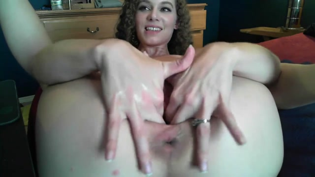 Curly_Girl_Self_Pussy_Fisting_And_Stretching_Really_Giant_Gape.mp4.00014.jpg
