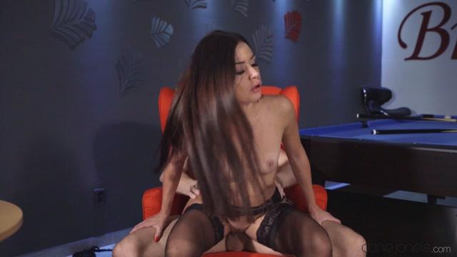 Watch Online Porn – DaneJones presents Martina Smeraldi in Sexy Italian filled with a creampie – 22.11.2019 (MP4, FullHD, 1920×1080)
