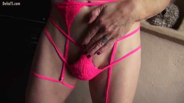 DeliaTS_presents_Delia_TS___Unmasked_in_Strappy_Pink___30.10.2019.mp4.00004.jpg