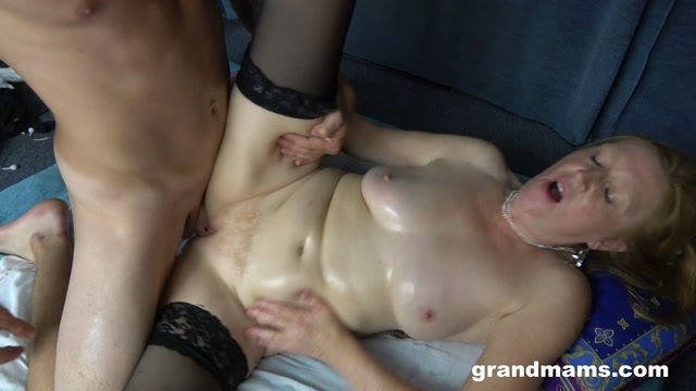 GrandMams_presents_Aged_Redhead_Gets_Pounded_By_A_Huge_Dick.mp4.00007.jpg