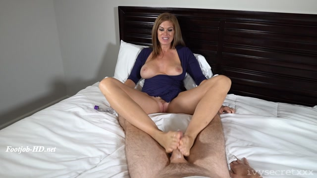 Watch Online Porn – Husband Waits His Turn For A Footjob – Ivy Secret Productions (MP4, FullHD, 1920×1080)