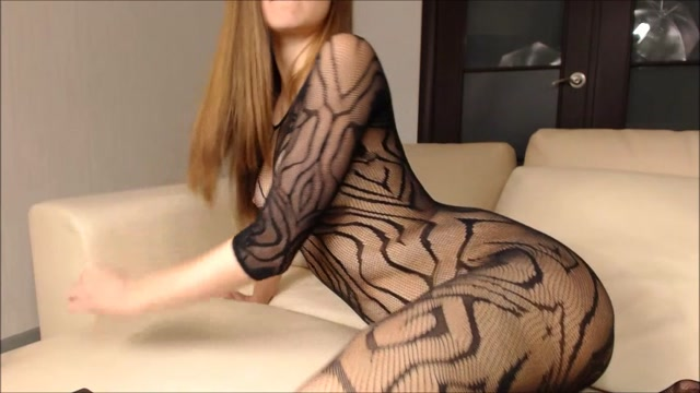 Watch Online Porn – ManyVids presents AoifeOneal – Ass play in a fishnet body stocking (MP4, SD, 854×480)