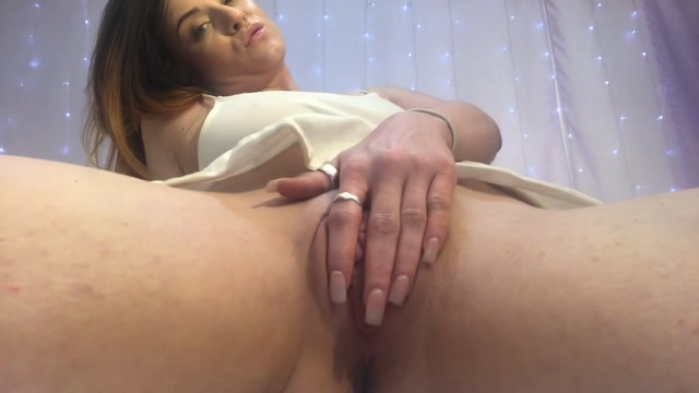 Watch Online Porn – ManyVids presents Kallmekrystal – Horny Housewife Facesitting Pov (MP4, FullHD, 1920×1080)