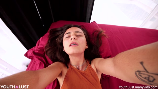 ManyVids_presents_YouthLust_in_Sonya_s_Mini_Gang_Bang____19.99__Premium_user_request_.mp4.00001.jpg