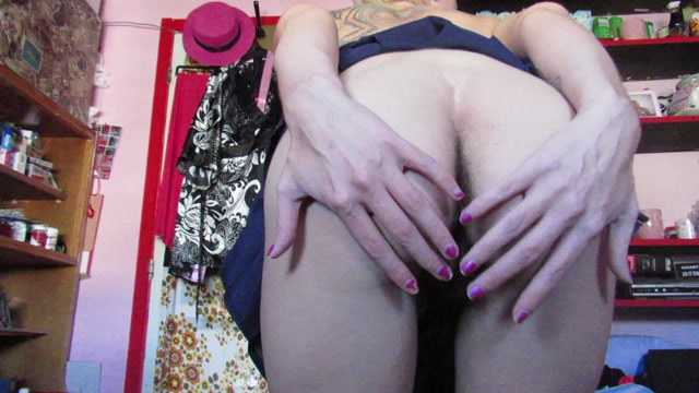 Manyvids_presents_cuteblonde666_-_Sitting_on_ya_face_with_my_hairy_ass.mp4.00007.jpg