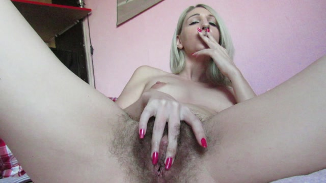 Manyvids_presents_cuteblonde666_-_Smoking_and_fingering_my_wet_hairy_pussy.mp4.00012.jpg