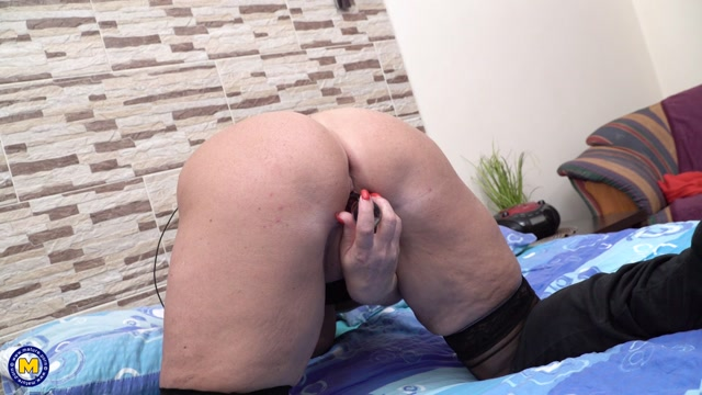 Mature.nl_presents_Ellis__51_.mp4.00014.jpg