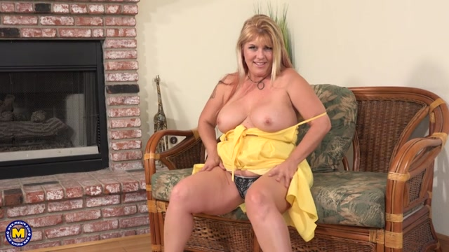 Mature.nl_presents_Joclyn_Stone__50_.mp4.00004.jpg