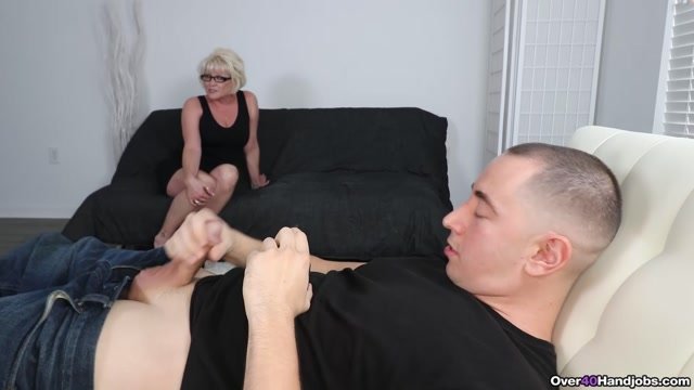 Watch Online Porn – Mrs. Sixxx Makes Him Spurt – Over 40 Handjobs – Niki Sixxx (MP4, FullHD, 1920×1080)