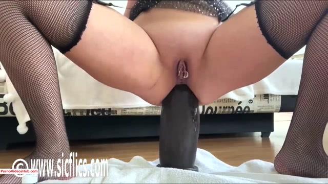 Watch Online Porn – SicFlics presents Nikoletta destroys her ass – 01.11.2019 (MP4, HD, 1280×720)