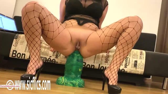 Watch Free Porno Online – SicFlics presents Nikolettas Goliath anal fuck – 13.11.2019 (MP4, HD, 1280×720)
