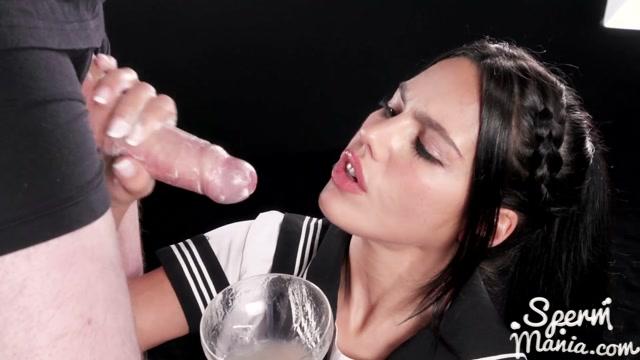 Watch Online Porn – SpermMania presents Apolonia Lapiedra in Apolonia Lapiedra Uses Her Sperm Covered Hands to Stroke Dicks (MP4, FullHD, 1920×1080)