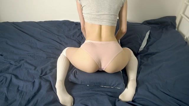 Watch Online Porn – lizashultz in 009 Virgin Rubs against the Pillow (MP4, FullHD, 1920×1080)
