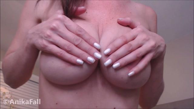 AnikaFall_-_Thankful_For_My_Tits.mp4.00014.jpg