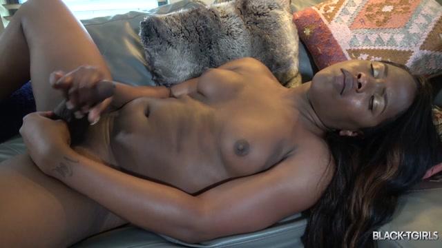 Watch Online Porn – Black-tgirls presents Ariel Smith's Climax! – 09.12.2019 (MP4, HD, 1280×720)