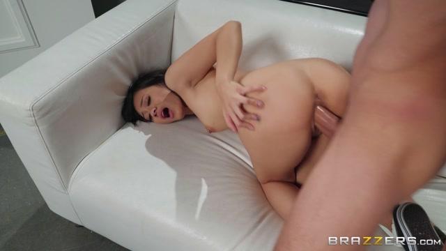 Watch Online Porn – Brazzers – TeensLikeItBig presents Jasmine Grey – Roadie Head – 02.12.2019 (MP4, FullHD, 1920×1080)