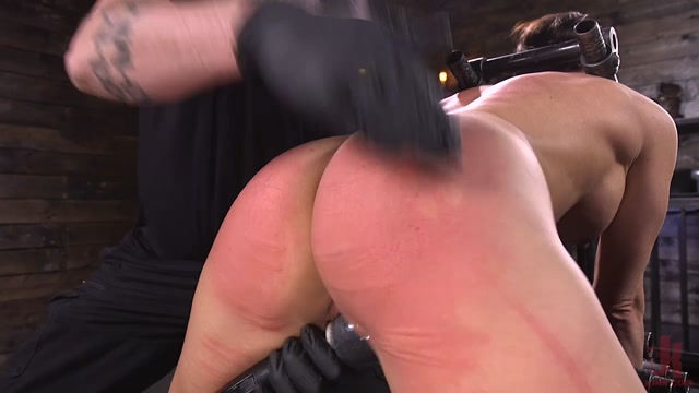DeviceBondage_presents_Ariel_X_Body_Builder_Double_Penetrated_in_Diabolical_Devices___12.12.2019.mp4.00009.jpg