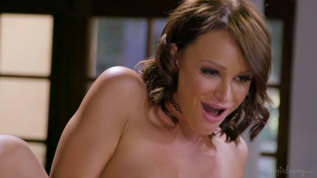 Watch Online Porn – GirlsWay presents Karla Kush, Emma Hix, Whitney Wright in Lesbian Recruiters – 08.12.2019 (MP4, FullHD, 1920×1080)