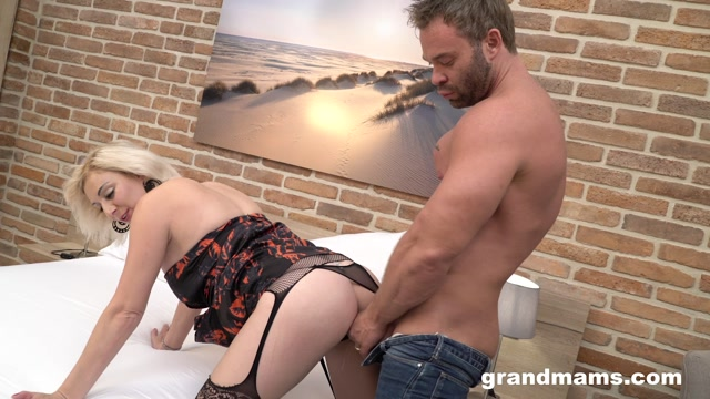 Watch Online Porn – GrandMams presents Classy – Beautiful mature fucked by gigolo – 04.12.2019 (MP4, FullHD, 1920×1080)