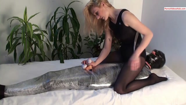 Watch Online Porn – Iwantclips presents Carlin Says in My CBT PhD – $12.99 (Premium user request) (MP4, HD, 1280×720)