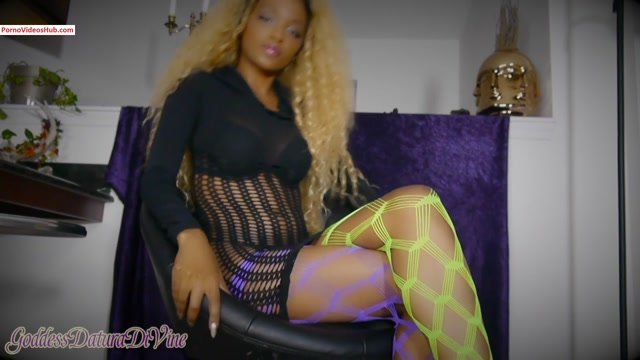 Iwantclips_presents_Goddess_Datura_DiVine_in_Red_Light_Green_Light_JOI_for_Cockbeaters____16.99__Premium_user_request_.mp4.00011.jpg