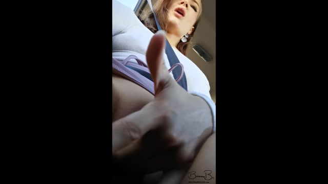 ManyVids_presents_BriannaBellxxx_-_Creamy_Car_Cum__PUBLIC_MASTURBATION.mp4.00002.jpg