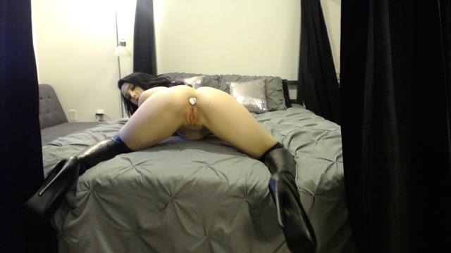 Watch Online Porn – ManyVids presents NoelleEastonXXX – butt plug thigh high black boots cum (MP4, FullHD, 1920×1080)