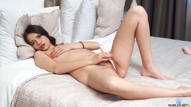 Watch Online Porn – Nubiles presents Pinky Breeze – Pink Pleasures (MP4, FullHD, 1920×1080)