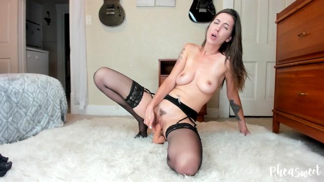 Watch Free Porno Online – RheaSweet – 4k lube me up (MP4, FullHD, 1920×1080)