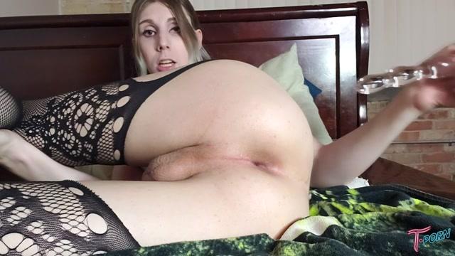 T.porn_presents_Alexandra_Vexx_Bad_Dragon_Practice.mp4.00003.jpg