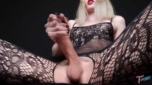 T.porn_presents_Alexandra_Vexx_Ultimate_Cock_Worship.mp4.00006.jpg