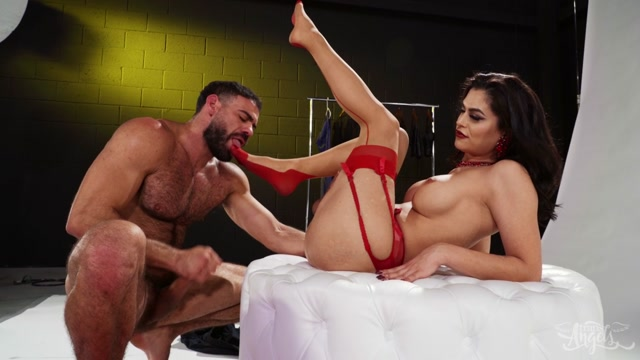 TransAngels_presents_Domino_Presley_Pinned_Down_By_The_Pin-Up___28.12.2019.mp4.00013.jpg