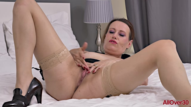 Watch Online Porn – Allover30 presents Annabelle More 41 years old Mature Pleasure – 31.12.2019 (MP4, FullHD, 1920×1080)